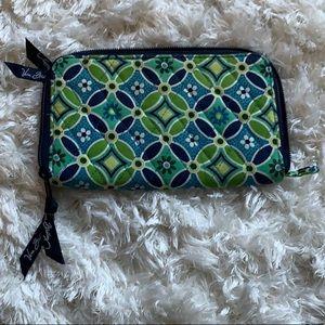 Vera Bradley large wallet 🍃
